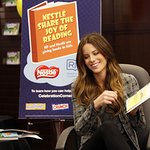 Kate Beckinsale Shares The Joy Of Reading