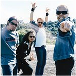 Metallica Live Acoustic EP To Benefit MusiCares