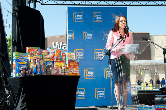 Kimberly Williams Paisley Walmart Anti-Hunger Concert