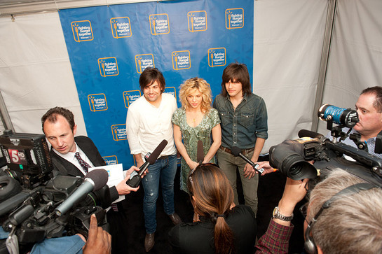 The Band Perry at Walmart Anti-Hunger Event