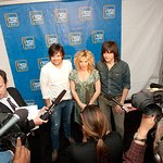 The Band Perry Backs Walmart Anti-Hunger Campaign