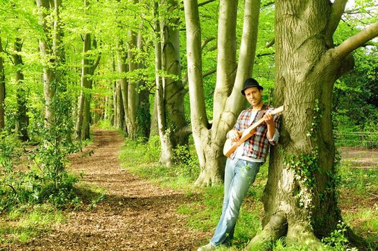 The Tree Top Troubadour in his natural environment