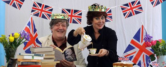 Stephen Fry and Ruby Wax