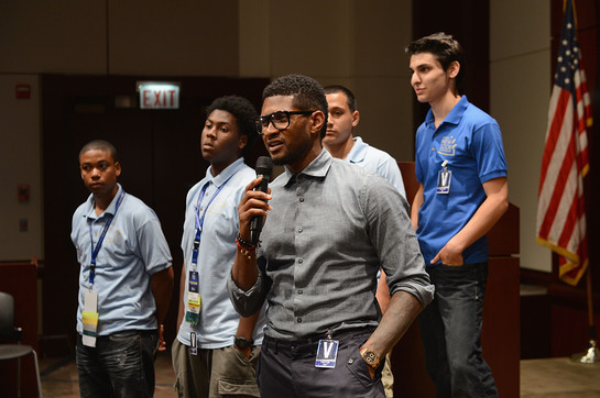 Usher spoke to New Look youth at the 2012 Conference