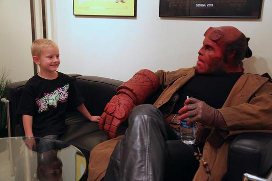 Zachary meets Hellboy