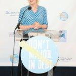 Glee's Jane Lynch: Don't Major In Debt