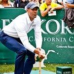 Jerome Bettis Wins Korbel Celebrity Spray-Off For Charity