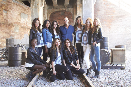 Nigel Barker and models