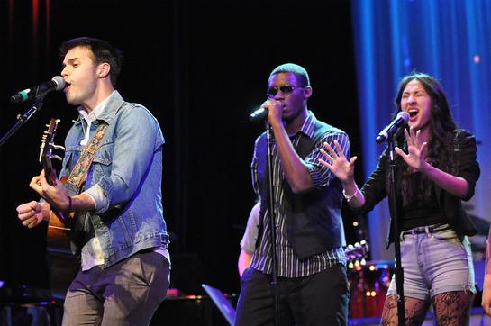American Idol Kris Allen performs at the Berklee City Music Scholarship Concert.