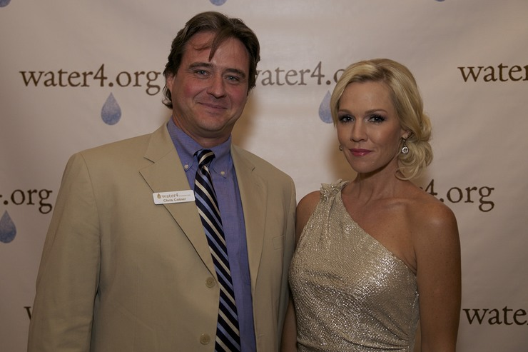Executive Director of Water4 Chris Cotner with Water4 Ambassador Jennie Garth at the First Annual Pioneering Spirit Gala in Oklahoma City 9/27.