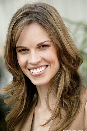 Hilary Swank Creates Short Film For Charity Look To The Stars