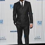Jake Gyllenhaal Honored At New Eyes For The Needy Dinner