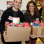 Kevin Jonas Hosts Food Drive For Hurricane Sandy Victims