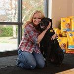 Miranda Lambert Supports The Pedigree Feeding Project