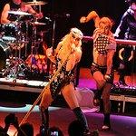 Ke$ha Rocks For Musicians On Call