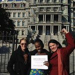 Robin Wright Delivers Congolese Women's Petition To White House‏