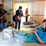Darius Rucker Performs For Sick Kids