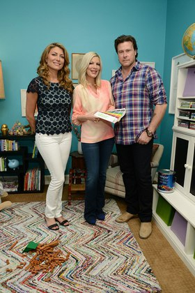 Valspar Color Expert and Designer Genevieve Gorder assist Tori Spelling and Dean McDermott find their perfect Valspar color match through the Valspar Color Project benefitting Habitat for Humanity