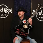 Trace Adkins And Hard Rock Support American Red Cross