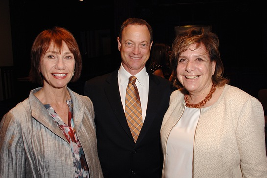 Gary Sinise with actor Kathy Baker, and Shelter Partnership Executive Director, Ruth Schwartz
