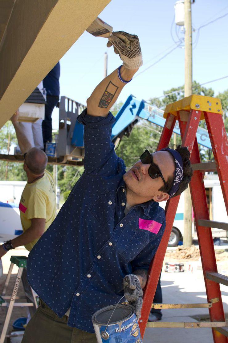 John Mayer Builds Houses For Charity