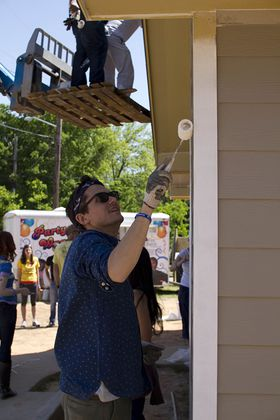 John Mayer Builds Houses For Veterans