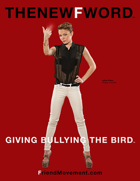 LeAnn Rimes Gives Bullying The Bird