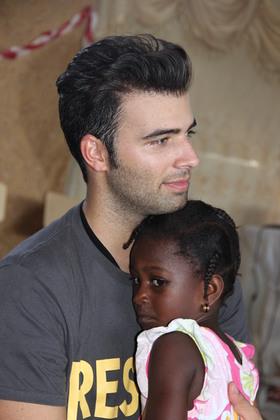 Jencarlos Canela Visits Haiti