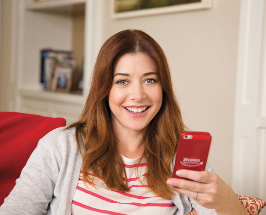 Alyson Hannigan is Smiling It Forward
