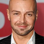 Joey Lawrence To Host Hero Dog Awards