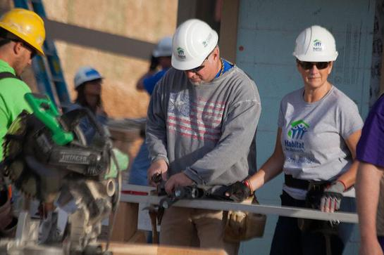 Garth Brooks and Trisha Yearwood joined President and Mrs. Carter and nearly 3,000 volunteers this week for Habitat for Humanity's 30th annual Jimmy and Rosalynn Carter Work Project.