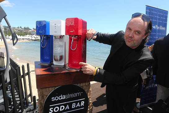 Metallica's Lars Ulrich Signs The SodaStream