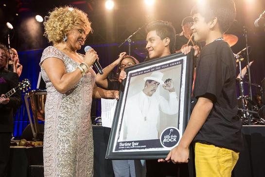 For her continued dedication to music education in the classroom Darlene Love was presented with the Big Man of the Year Award during the Right to Rock Benefi