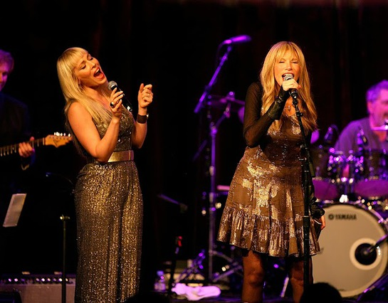 Natasha Bedingfield and Carly Simon