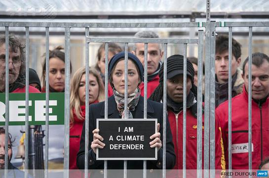 Marion Cotillard joins demonstration for release of the Arctic 30