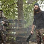 Duck Dynasty Stars Offer Up A Serving Of Turkey Fryer Safety
