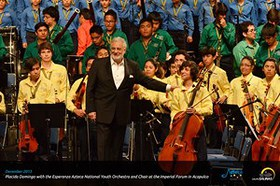 Placido Domingo and the Esperanza Azteca National Youth Orchestra and Choir