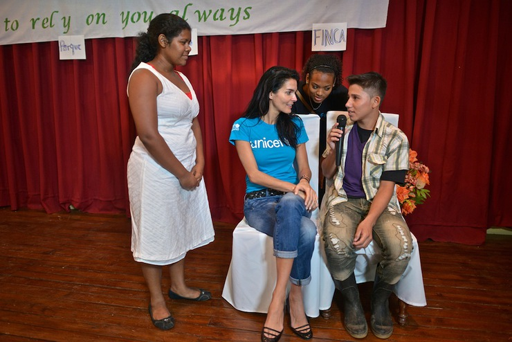 UNICEF Ambassador Angie Harmon participates with adolescents in a skit about the prevention of child abuse and exploitation in Bluefields, Nicaragua.