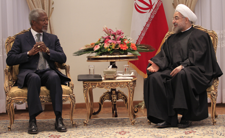 Kofi Annan, Chair of The Elders, speaks with President Hassan Rouhani during the Elders' visit to Tehran