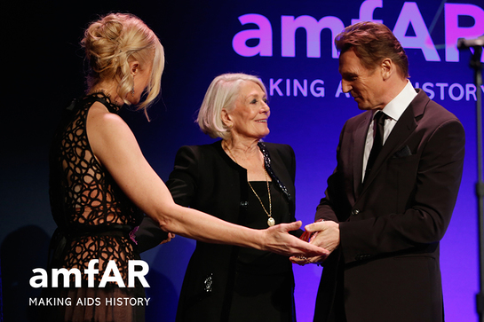 amfAR Award of Courage Honoree Joely Richardson, amfAR Award of Courage Honoree Vanessa Redgrave, and Liam Neeson