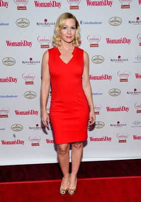 Jennie Garth arrives at the 2014 Woman's Day Red Dress Awards to accept the Campbell's Healthy Heart award for her commitment to improving heart health for women
