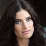 Idina Menzel And USO Help Military Families Kick Off Holiday Season