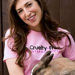 Mayim Bialik Wants To End Animal Cosmetic Testing In The US