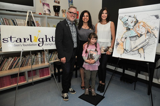 Tony DiTerlizzi, Jacqueline Hart-Ibrahim, Teri Hatcher and patient Sophia