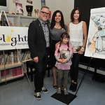 Teri Hatcher And Tony DiTerlizzi Entertain Pediatric Patients At Children's Hospital Los Angeles