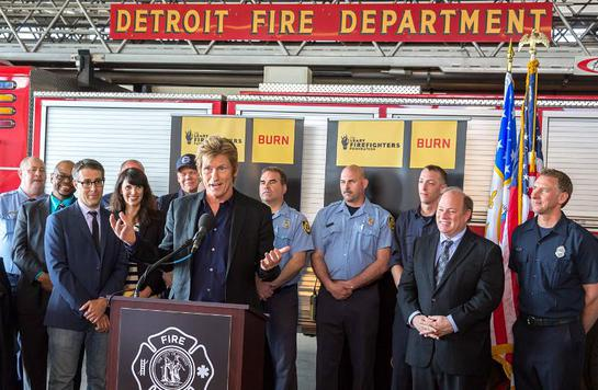 Denis Leary and The Leary Firefighters Foundation donates over $260k of new equipment to the Detroit Fire Department