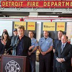 Denis Leary Donates New Equipment Worth Over $260K To Detroit Fire Department
