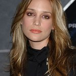 Piper Perabo Joins Forces With International Rescue Committee