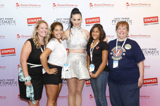 Katy Perry, center, with local teachers and students, left to right, Caitlin Matyas, Mia Vega, Jocelyn Santiago and Barbara Janas backstage at the Wells Fargo Center