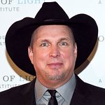 Garth Brooks Shows Support For March For Our Lives